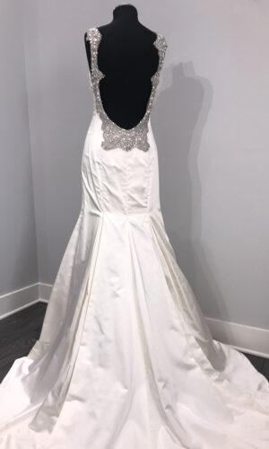 Kollender Back Hayley Paige - White Satin Bridal Boutique Ottawa - Designer & Luxury Wedding Gown - Off the rack & custom order - Bridal Seamstress
