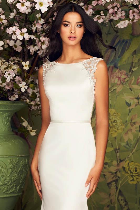 Paloma Blanca 1 Green Wallpaper - White Satin Bridal Boutique Ottawa - Designer & Luxury Wedding Gown - Off the rack & custom order - Bridal Seamstress